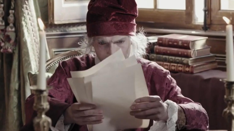Voltaire - en colère et en train de lire à Ferney - d'purb dpurb site web